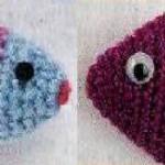 Самодельные игрушки для кошек — Вязанные рыбка и скелет рыбки